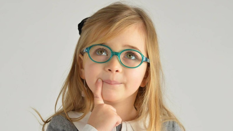 Pregled vida in očala pri dojenčkih in predšolskih otrocih